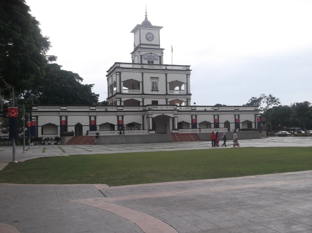 Dataran Tanjung EmasBandar Maharani Muar Bandar DiRaja(@ all rights reserved)