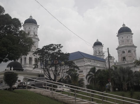 The Sultan Abu Bakar State Mosque A view looking up the Hill (@ all rights reserved)