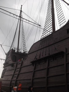 Looking up at the replica of the Flor de la Mar, which housed the Muzium Samudera or the Maritime Musuem (all rights reserved)