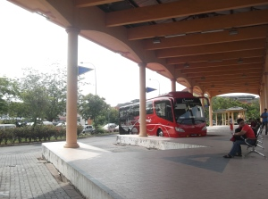 The Kuala Perlis bus station. Would be better if they merge the bus station and the ferry terminal into one single complex. (@all rights reserved)