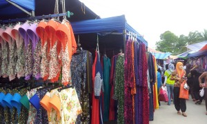 Stall offering Muslim clothing including the Hijab and dresses. (@ all rights reserved)