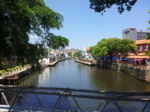 A view of the Melaka River, taken from a bridge leading to Jonker Street (or Jalan Hang Jebat). (@all rights reserved)