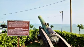 The bronxe cannon, ' Sri Rambai'. (photo credit : Shah Said ; @ all rights reserved)