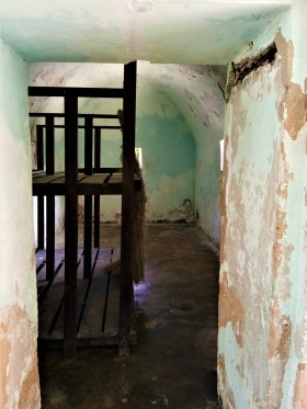 The inside view of the powder magazine, as it is now. (photo credit : Shah Said ; @ all rights reserved)