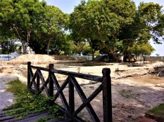 The area adjacent to Fort Cornwallis, currently undergoing conservation works. (photo credit : Shah Said ; @ all rights reserved)