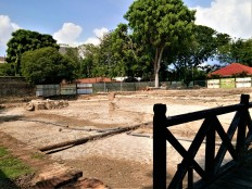 Area adjacent to the fort currently undergoing conservation works. (photo credit : Shah Said ; @ all rights reserved)